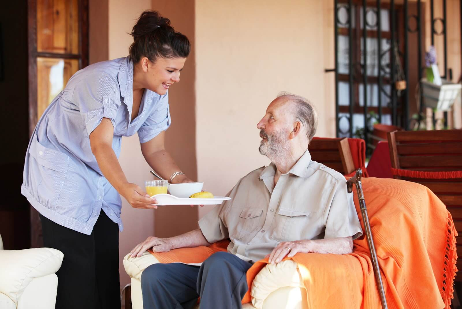 aged-care-foodservice-to-room